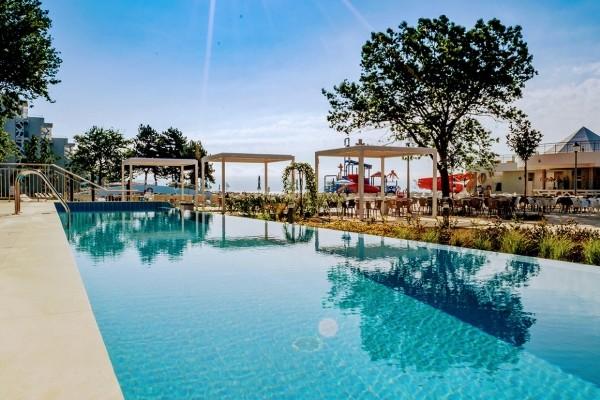 Piscine - Hôtel Maritim Hôtel Paradise Blue Albena 5* Varna Bulgarie