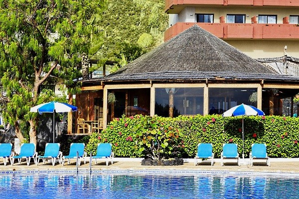 Piscine - Hôtel H10 Taburiente Playa 4* La Palma Canaries