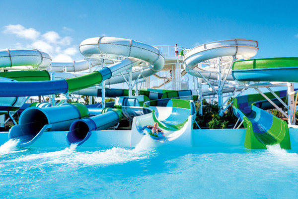 Piscine - Hôtel SplashWorld Lanzasur 3*