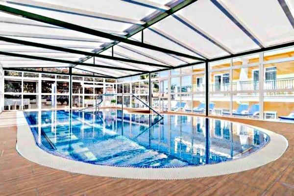 Piscine - Résidence hôtelière Appartements La Carabela 3*