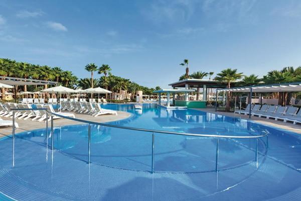 Piscine - Hôtel Riu Cabo Verde (Adult Only) 5* Ile de Sal Cap Vert