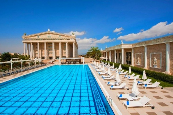 Piscine - Hôtel Kaya Artemis Resort & Casino 5*