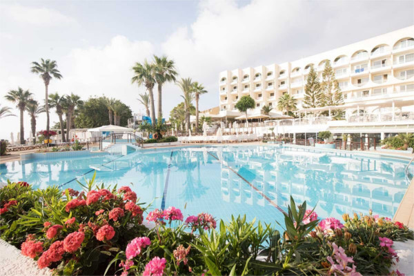 Piscine - Hôtel Golden Coast Beach 4* Larnaca Chypre