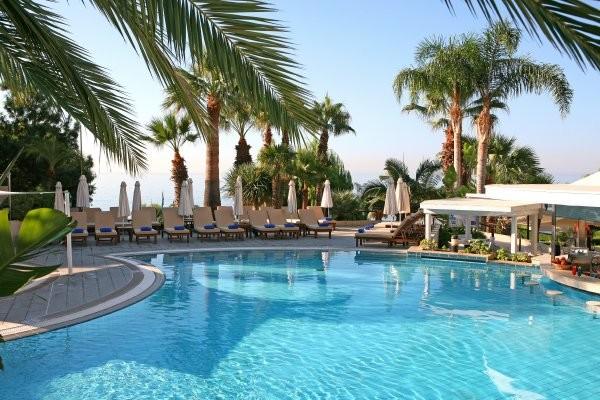 Piscine - Mediterranean Beach 4* Larnaca Chypre
