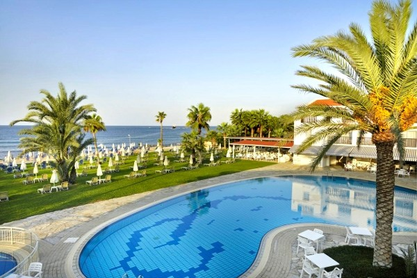 Piscine - Akti Beach 4*