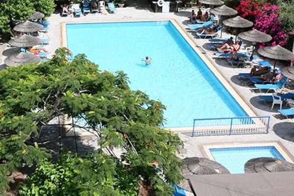 Piscine - Hôtel Veronica 3* Paphos Chypre