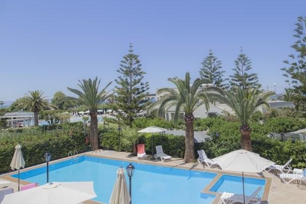 Piscine - Hôtel Creta Residence 3*