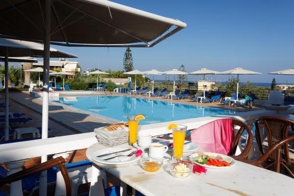 Piscine - Hôtel Cretan Garden 3*