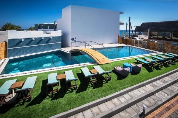 Piscine - Hôtel Infinity Blue 4* Heraklion Crète