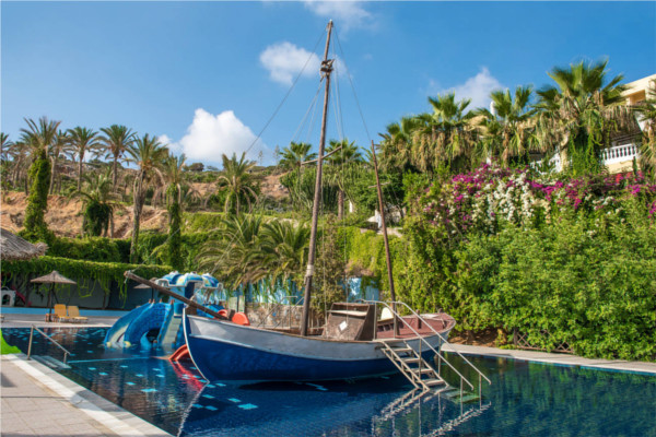 Piscine - Hôtel Radisson Blu Beach Resort 5* Heraklion Crète
