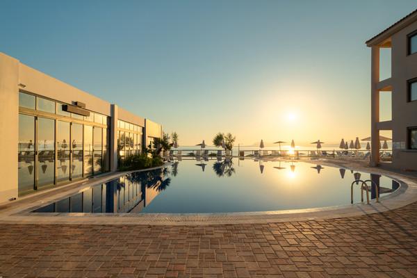 Piscine - Hôtel Iolida Beach 4*