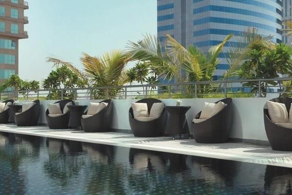 Piscine - Mövenpick Jumeirah Lakes Towers 5*