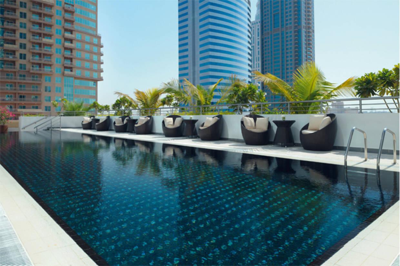 Piscine - Mövenpick Jumeirah Lakes Towers 5* Dubai Dubai et les Emirats