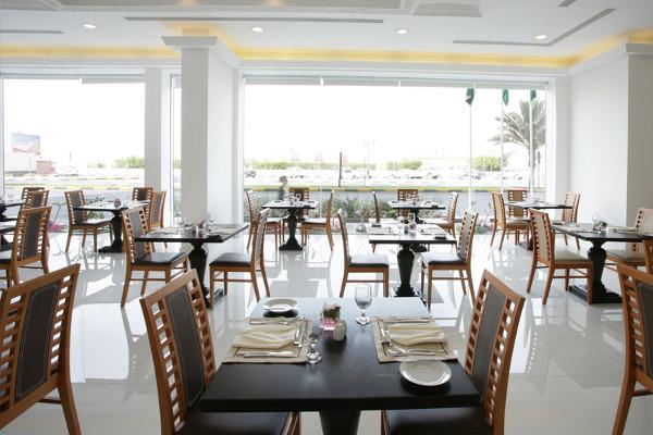 Restaurant - Hôtel Ramada by Wyndham Beach Ajman 4* Dubai Dubai et les Emirats