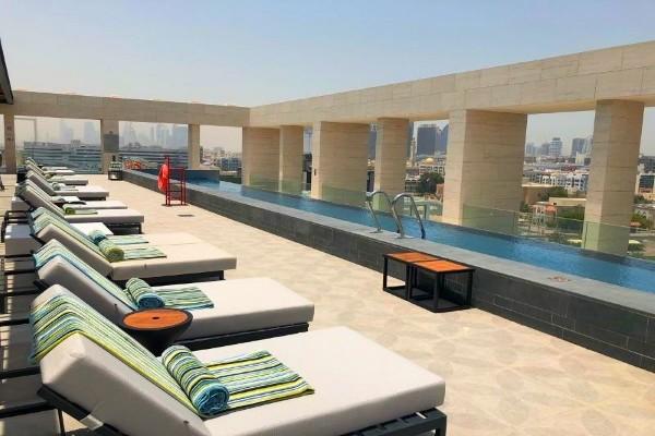 Terrasse - Hôtel Canopy by Hilton Dubai Al Seef 4*