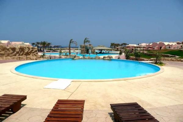 Piscine - Hôtel Onatti Beach Resort 4*