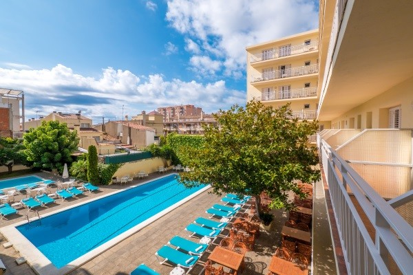 Piscine - Hôtel Checkin Pineda 3* Pineda De Mar Espagne