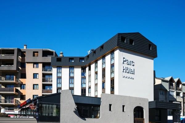 Facade - Hôtel Soleil Vacances Parc Hotel 4* Briançon France Alpes