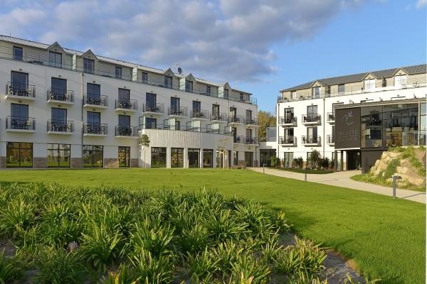 Facade - Hôtel Thalasso Concarneau Spa Marin Resort 4* Concarneau France Bretagne