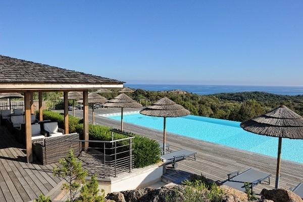 Piscine - Résidence hôtelière Les Terrasses de Rondinara 4* Figari France Corse