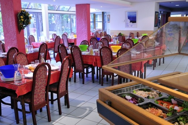 Restaurant - Village Vacances Domaine du Mas Blanc Alenya France Languedoc-Roussillon