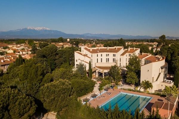 Vue panoramique - Hôtel Qualité Hôtel, Restaurant & Spa Las Motas 3* Alenya France Languedoc-Roussillon