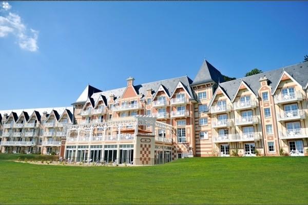 Facade - Résidence hôtelière BO Resort & Spa 4* Bagnoles de l'Orne France Normandie