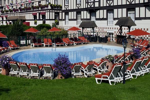 Piscine - Hôtel Golf Barrière 4* Deauville France Normandie
