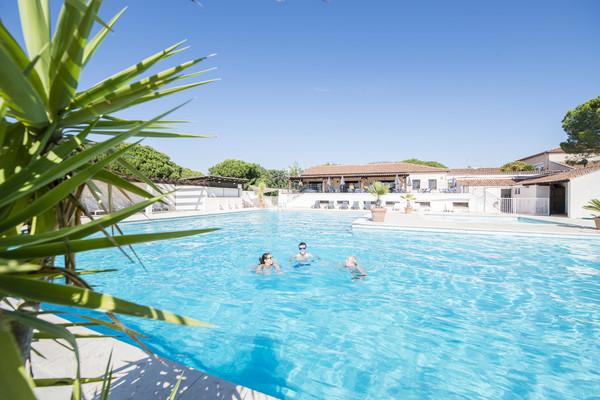 Piscine - Hôtel Fram Résidence Sélection Les Résidences du Colombier 3* Fréjus France Provence-Cote d Azur