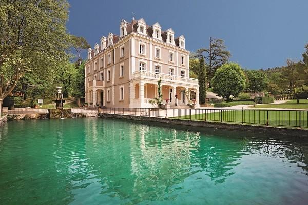 Facade - Club Domaine de Château Laval 3* Gréoux-les-Bains France Provence-Cote d Azur