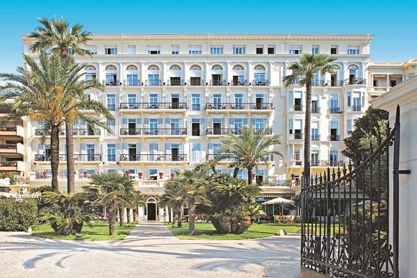 Facade - Hôtel Royal Westminster 3* Menton France Provence-Cote d Azur