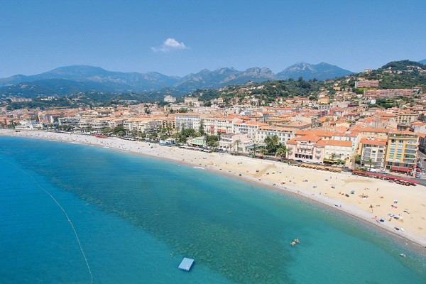 Plage - Hôtel Royal Westminster 3* Menton France Provence-Cote d Azur
