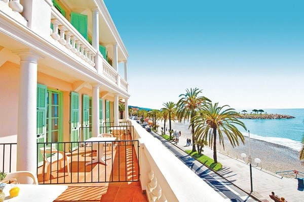 Vue panoramique - Hôtel Balmoral 3* Menton France Provence-Cote d Azur