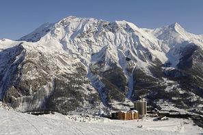 France Provence-Cote d Azur-Orcieres 1850, Village club d'Orcières 1850 + forfait et matériel de ski