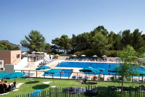 Piscine - Résidence hôtelière Les Chênes Verts 3* Saint Raphael France Provence-Cote d Azur