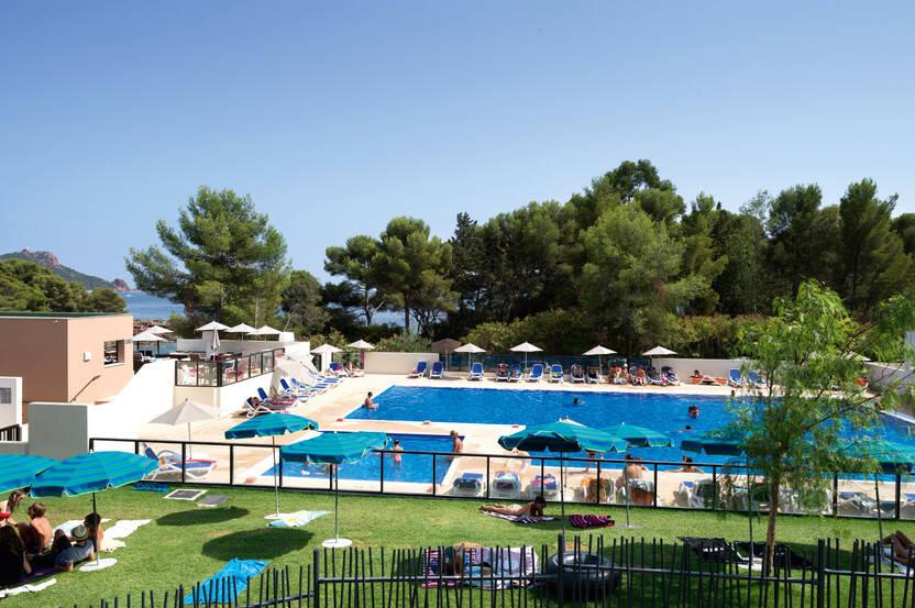 Piscine - Résidence hôtelière Résidence Soleil Vacances Les Chênes Verts 3* Saint Raphael France Provence-Cote d Azur