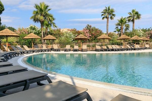 Piscine - Hôtel Club Le Capet 3* Sainte Maxime France Provence-Cote d Azur