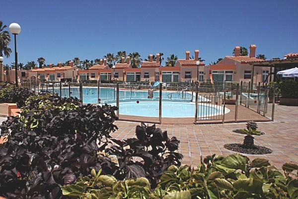 Piscine - Bungalows Castillo Playa 2* Villes Inconnues Pays Inconnus