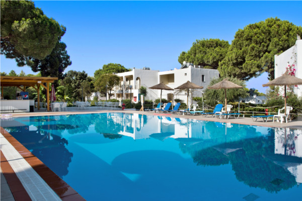 Piscine - Hôtel Maxi Club Kalogria 4* Araxos Grece