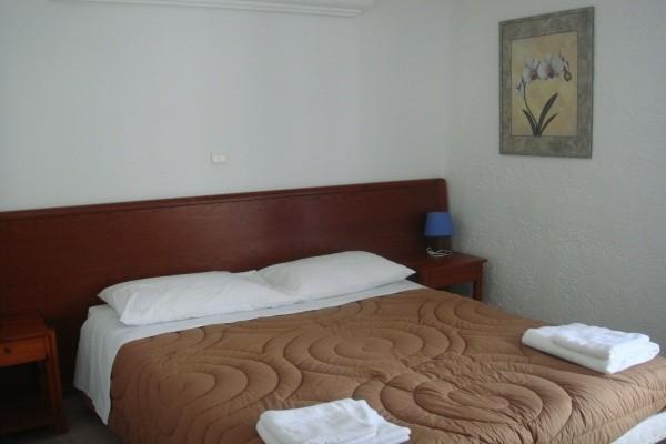 Chambre - Résidence hôtelière Theo 3* sup + location de voiture Athenes Grece