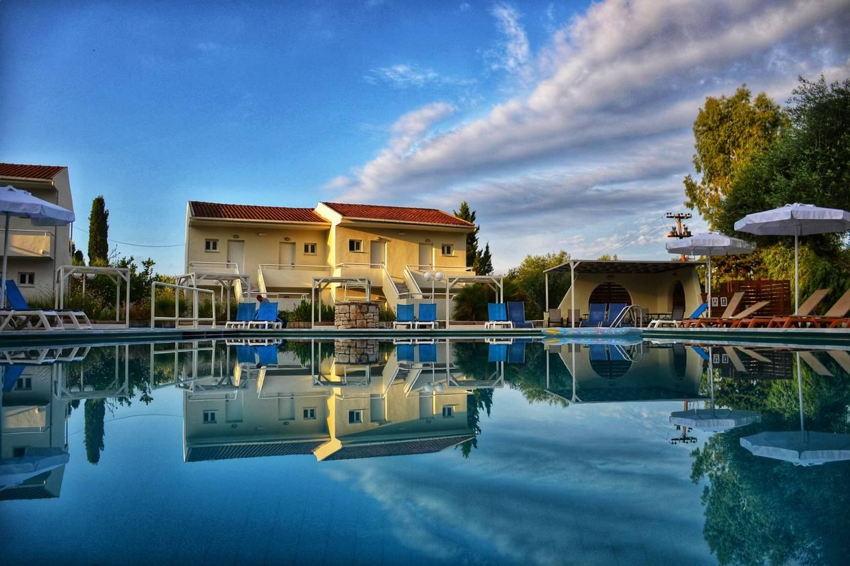 Piscine - Hôtel Dassia Holiday Club 3* Corfou Grece