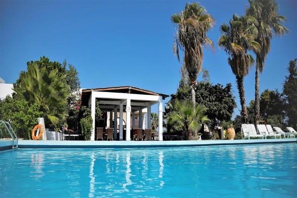 Piscine - Hôtel Rhodian Sun 3*