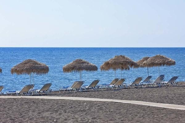 Plage - Hôtel Aegean Plaza 4* sup Santorin Grece
