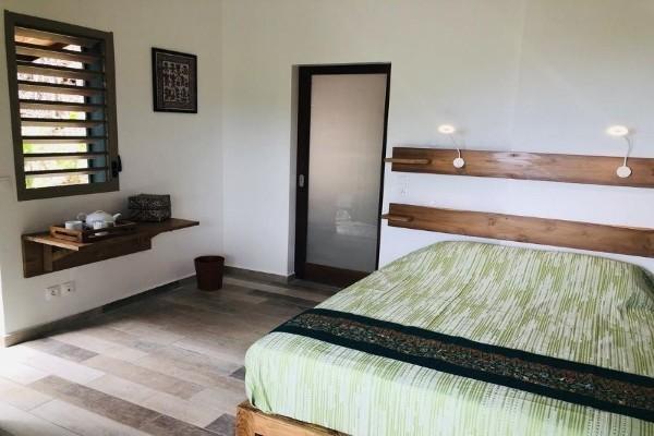 Chambre - Hôtel Les Bungalows de L'Ilet + Location de voiture Pointe A Pitre Guadeloupe