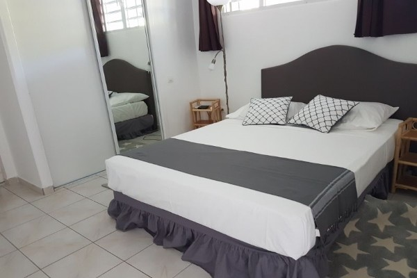 Chambre - Hôtel Résidence Yukana + Location Voiture Pointe A Pitre Guadeloupe