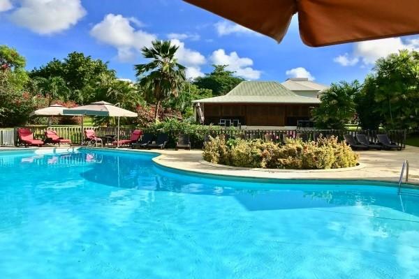 Piscine - Hôtel Le Vallon Pointe A Pitre Guadeloupe