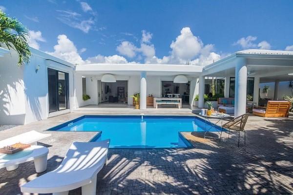 Piscine - Hôtel Villa Feliz Pointe A Pitre Guadeloupe