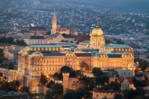 Monument - Hôtel Nouvel An à Budapest 4* Budapest Hongrie