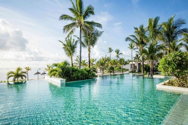 Piscine - Hôtel Long Beach Sun Resort 5* sup Mahebourg Ile Maurice