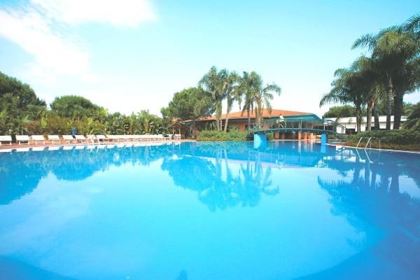 Piscine - Hôtel Top Clubs Villaggio Oasis 4* Naples Italie